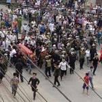 Tin tức trong ngày - Quan tài diễu phố: Có cấu thành tội gây rối?