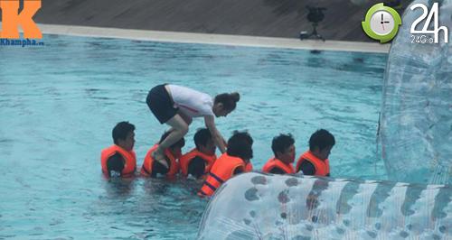 Hình ảnh mới nhất của T-ara tại Việt Nam - 6