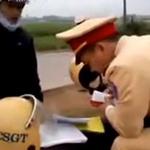 Tin tức trong ngày - Quay video, chụp ảnh CSGT: Không sai