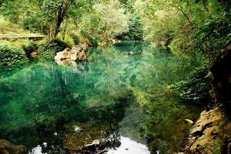 Vẻ đẹp hoang sơ của hồ Ba Bể - 10