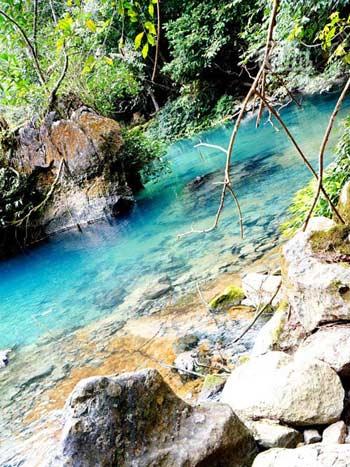 Vẻ đẹp hoang sơ của hồ Ba Bể - 12