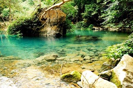 Vẻ đẹp hoang sơ của hồ Ba Bể - 13