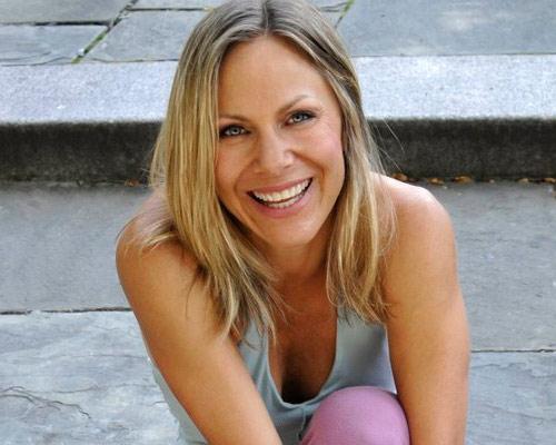 Bài tập yoga cho khuôn mặt trẻ mãi - 11