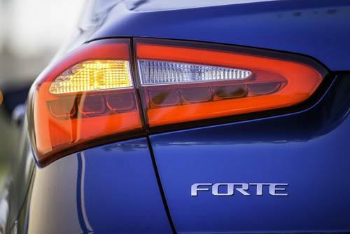 Kia Forte 2014 có giá 15.900 USD - 9