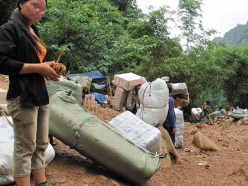 Nơi quần áo lậu đổ bộ vào Việt Nam - 1