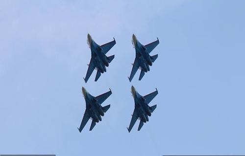 Nga, Pháp phô diễn sức mạnh của chiến đấu cơ - 15