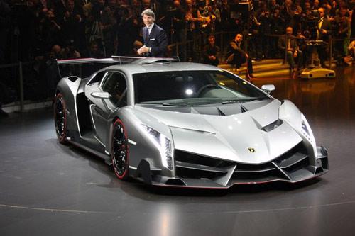 Lamborghini Veneno gầm gừ rời Geneva - 11