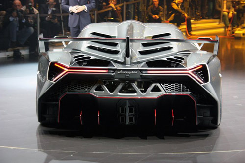 Lamborghini Veneno gầm gừ rời Geneva - 15