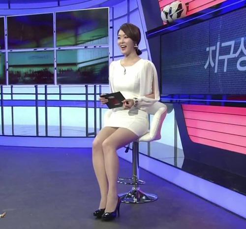 """Đẳng cấp sexy của """"nữ hoàng"""" Lee Hyori! - 17"""