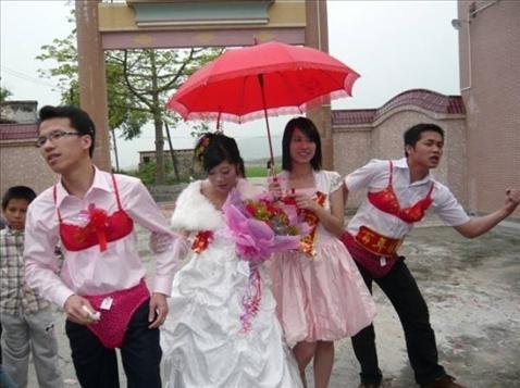 Những đám cưới kỳ quái ở Trung Quốc - 2