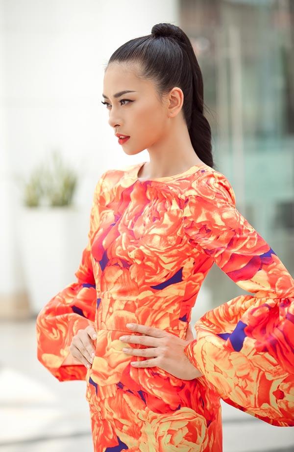 Ngô Thanh Vân chói chang với sắc hoa - 7
