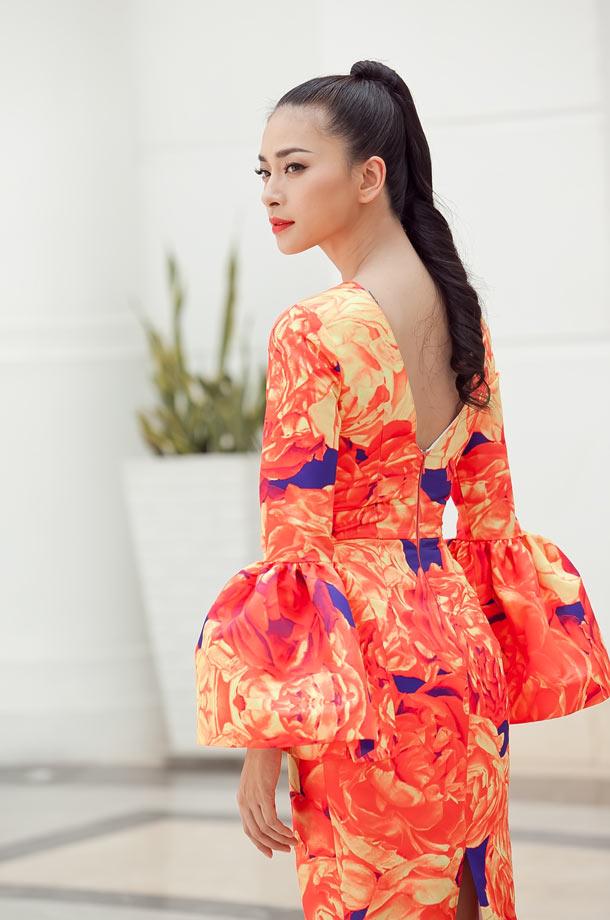 Ngô Thanh Vân chói chang với sắc hoa - 4