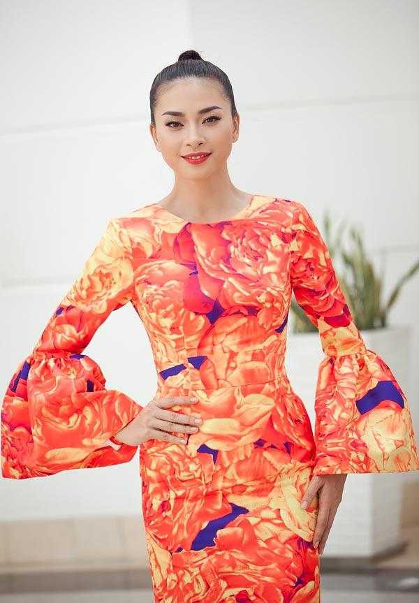 Ngô Thanh Vân chói chang với sắc hoa - 6