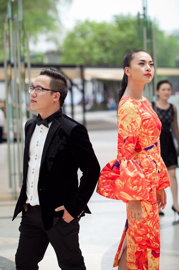 Ngô Thanh Vân chói chang với sắc hoa - 11