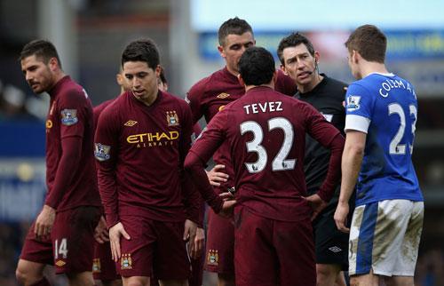 Man City: Đá bóng bằng niềm tin - 1