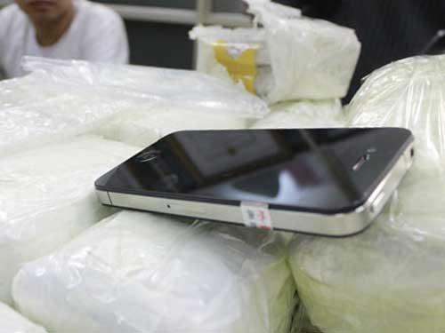Bắt vụ buôn lậu iPhone lớn nhất Hà Nội - 1