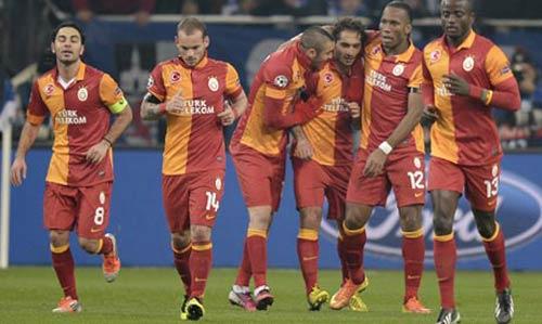 "Real ""đen"" khi bốc phải Galatasaray - 1"