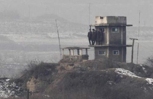 Nóng như khu phi quân sự Triều Tiên - 10