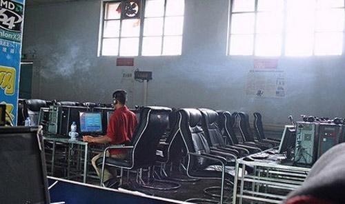 Game thủ sống 6 năm trong quán cafe Internet - 1