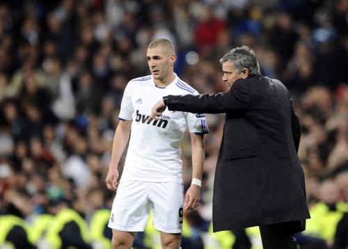 Real – Mourinho: Cứu tinh của Benzema - 2