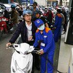 Thị trường - Tiêu dùng - Xăng dầu chưa giảm, dân gánh phí hoa hồng