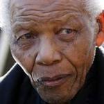 Nelson Mandela lại nhập viện vì bệnh phổi