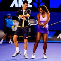 """Djokovic: """"Ông vua"""" hài hước"""