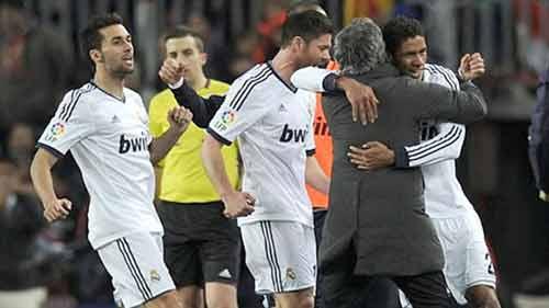 Real – Mourinho: Chỉ còn lại tình yêu - 2