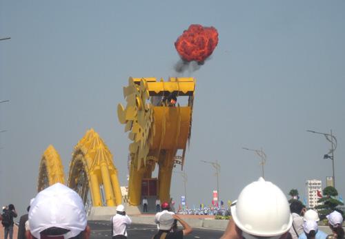 Đà Nẵng: Cầu Rồng khạc lửa ngày khánh thành - 5