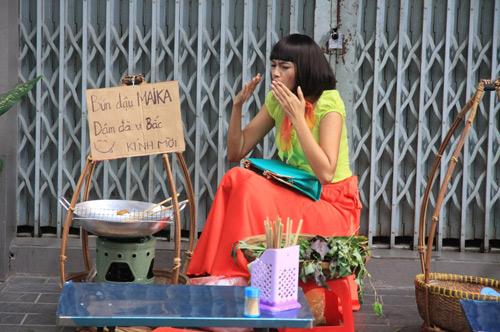 Diễm Châu lòe loẹt bán bún đậu - 2