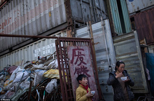"Cuộc sống trong ""làng container"" ở Trung Quốc - 6"