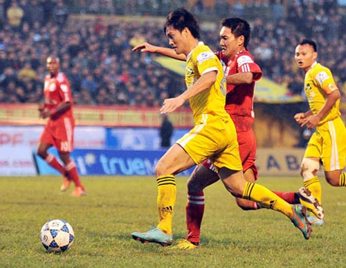 """Vòng 3 V-League: B.BD """"ra ngõ gặp núi"""" - 1"""