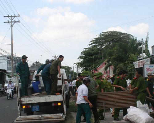 Cần Thơ: Sạt lở đất, dân hốt hoảng bỏ chạy - 1