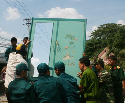 Cần Thơ: Sạt lở đất, dân hốt hoảng bỏ chạy - 3