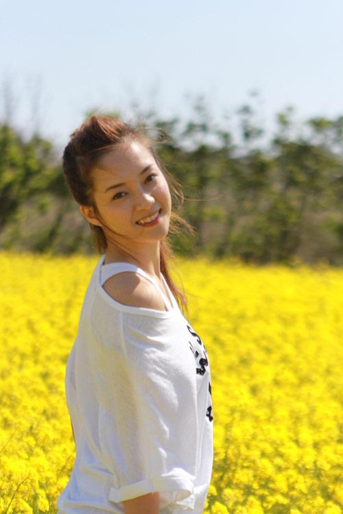 Hương Tràm, Đinh Hương nhí nhảnh tại HQ - 4