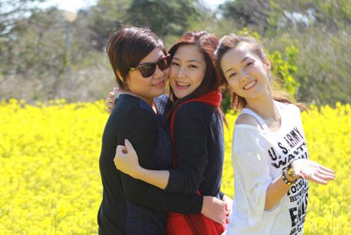 Hương Tràm, Đinh Hương nhí nhảnh tại HQ - 2