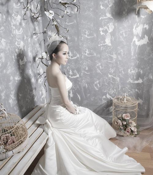 Quỳnh Nga chọn váy cưới cho nàng dâu - 1