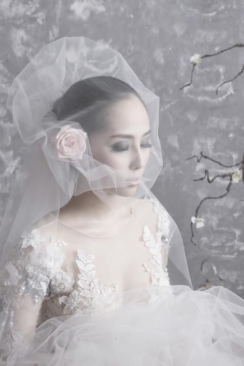 Quỳnh Nga chọn váy cưới cho nàng dâu - 10