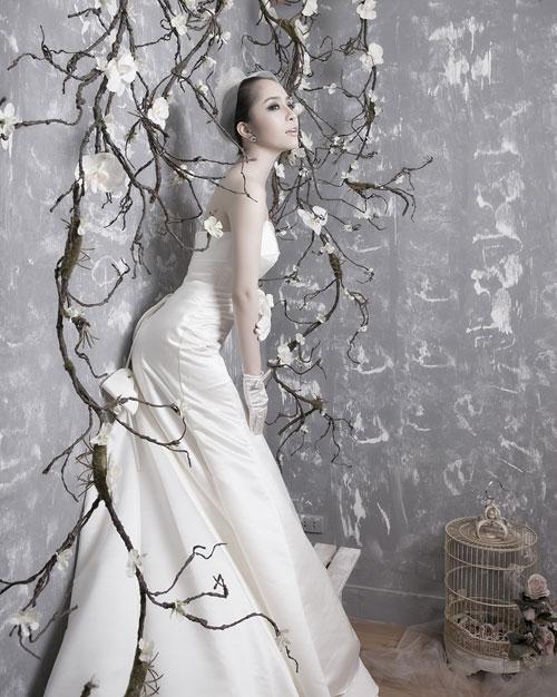 Quỳnh Nga chọn váy cưới cho nàng dâu - 2