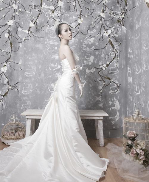 Quỳnh Nga chọn váy cưới cho nàng dâu - 3