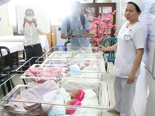 Từ ca sinh 5: Đa thai tiềm ẩn nguy cơ - 1