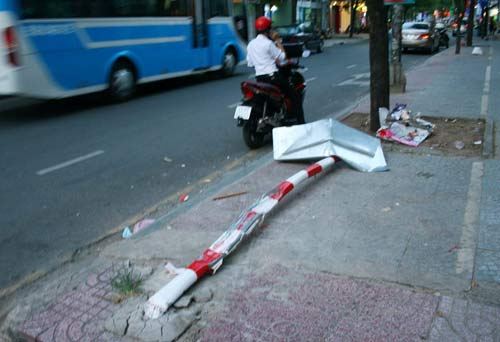 """TPHCM: Ô tô """"điên"""" gây tai nạn liên hoàn - 2"""