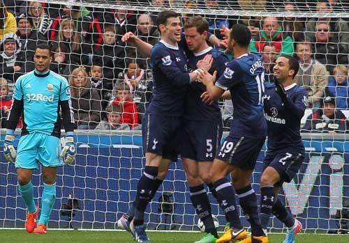 Swansea - Tottenham: Tốp 3 vẫy gọi - 1
