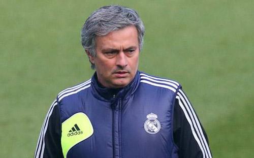 Mourinho: Casillas phải xếp sau Lopez - 1