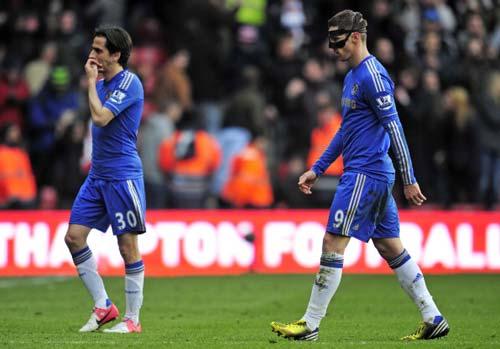 Chelsea rời top 3: Bước lùi cần thiết - 2