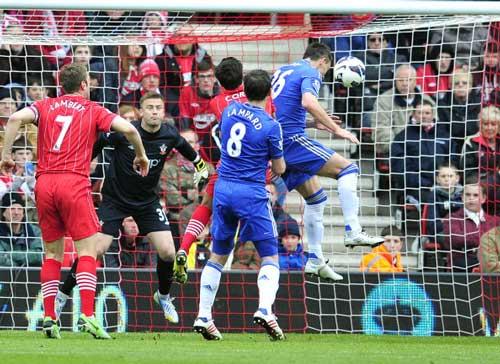 Chelsea rời top 3: Bước lùi cần thiết - 1