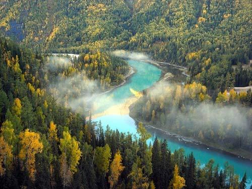 Vẻ đẹp thanh bình ven hồ Kanas, Trung Quốc - 1