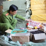 Thị trường - Tiêu dùng - Bánh kẹo dởm tràn vào Thủ đô