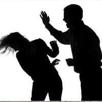 """Chồng đánh vợ bầm dập vì không cho """"quan hệ"""""""