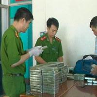 Đang xét xử đường dây buôn 32.000 bánh heroin
